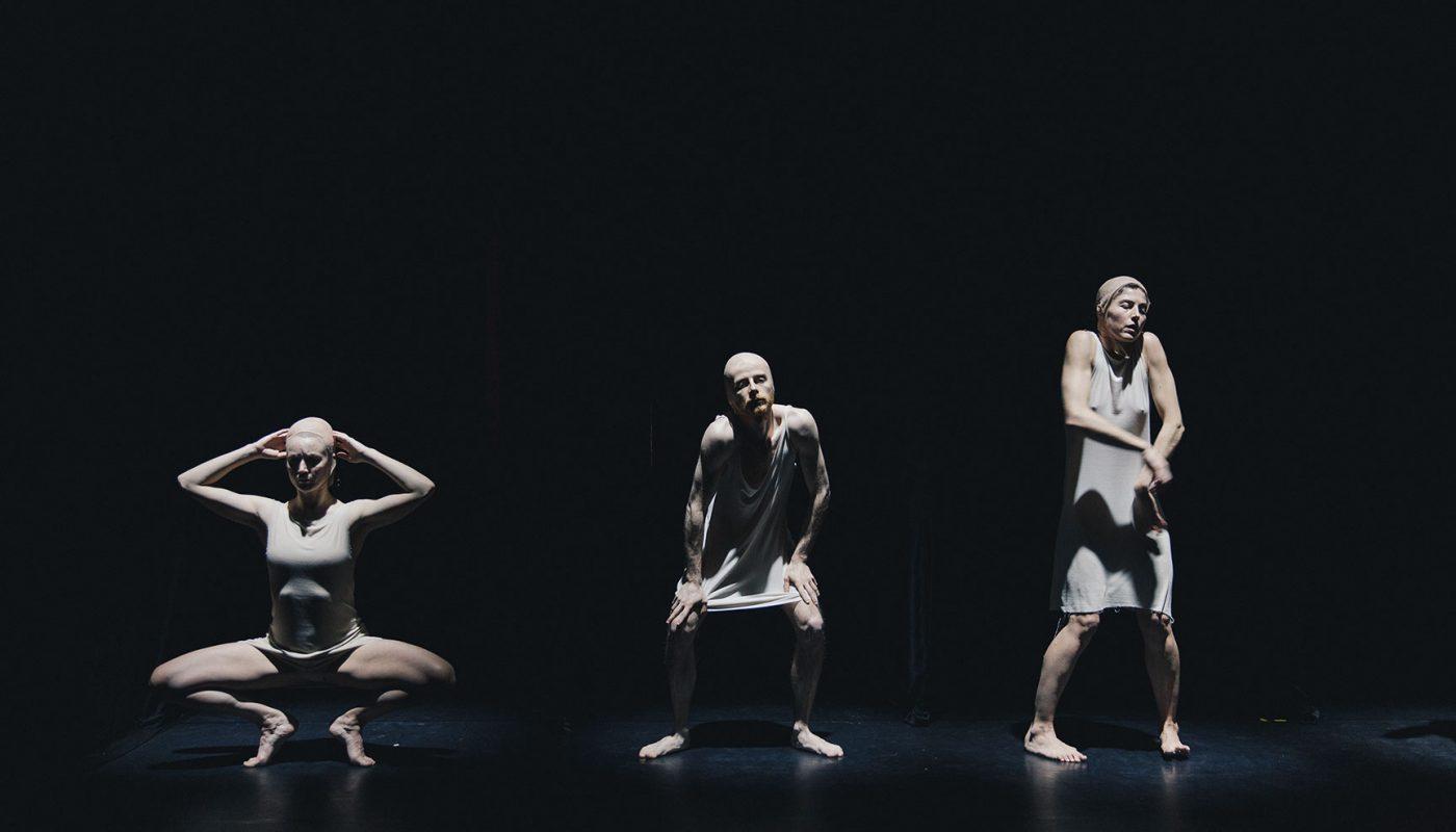1LesArriereMondes_light©JulienLambert-Theatre-Les-Tanneurs-b3e5ffd7