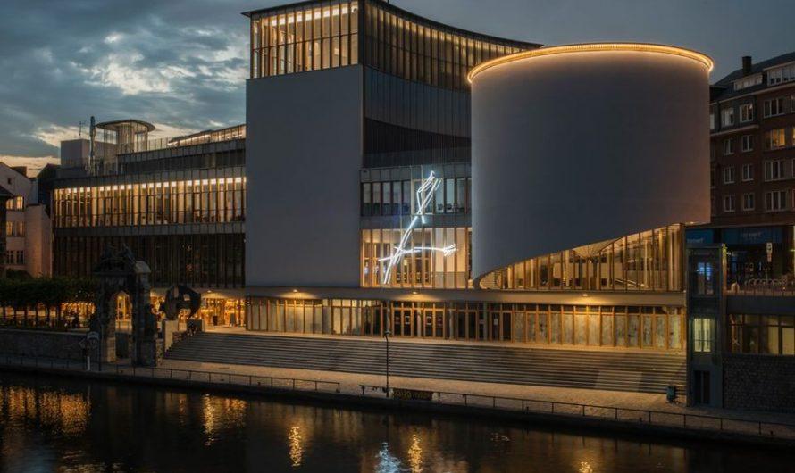 Still Standing for Culture au Delta à Namur : « Faire face, vu de dos »