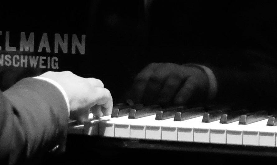main piano-6937142b