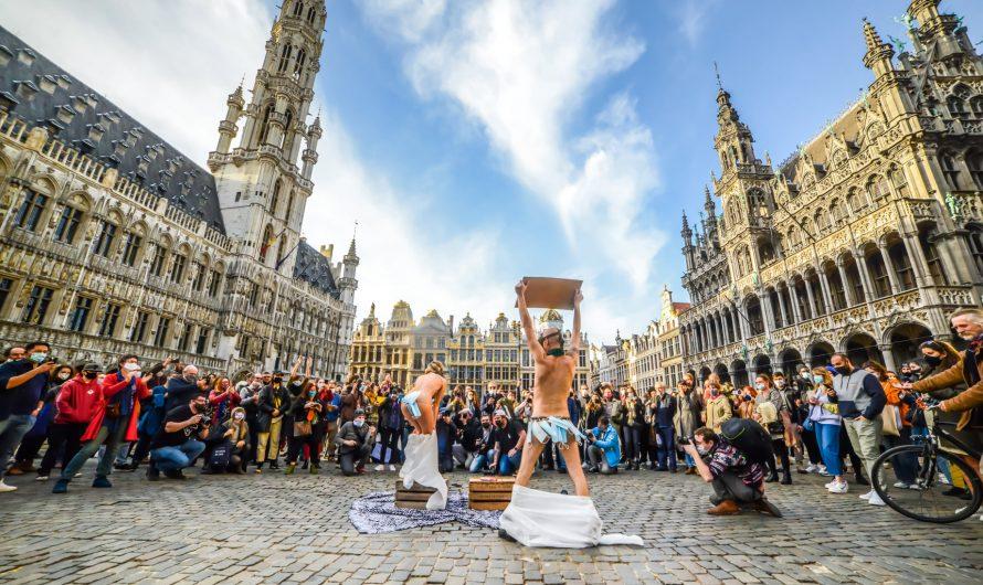Strip-Tease sur la Grand place de Bruxelles